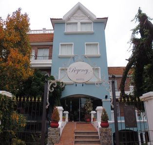Regency Suites Boutique Hotel